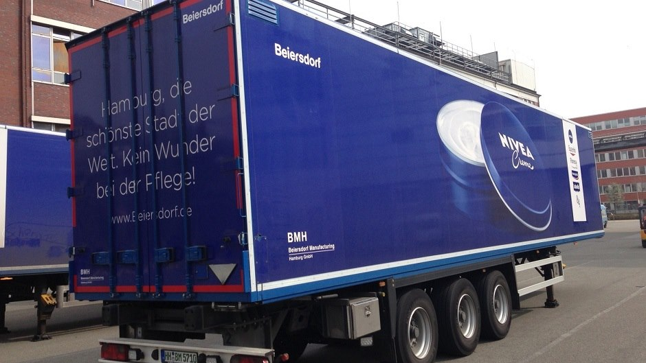LKW transports NIVEA products